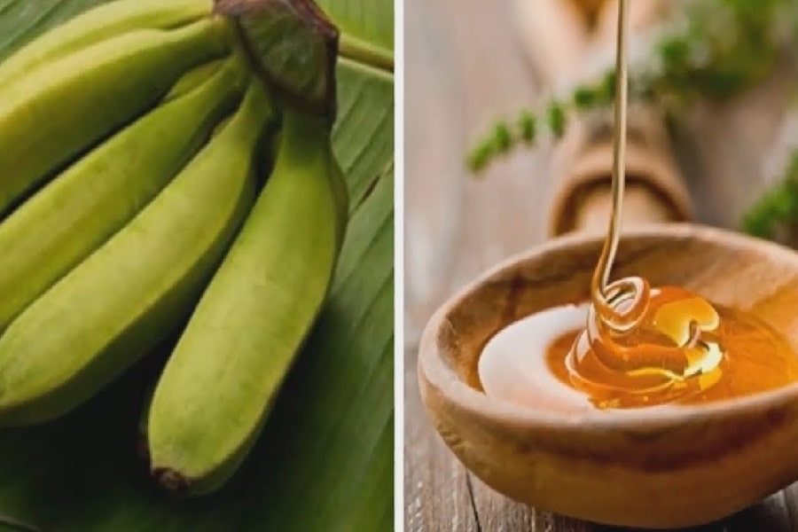 chữa đau dạ dày bằng mật ong cùng chuối xanh