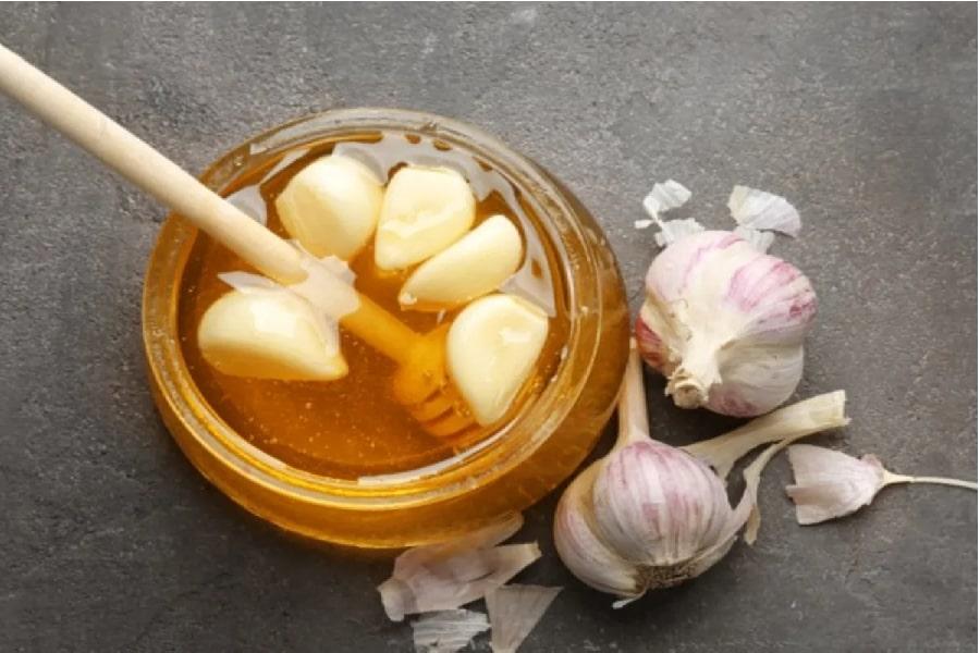 chữa đau dạ dày bằng mật ong và tỏi tươi