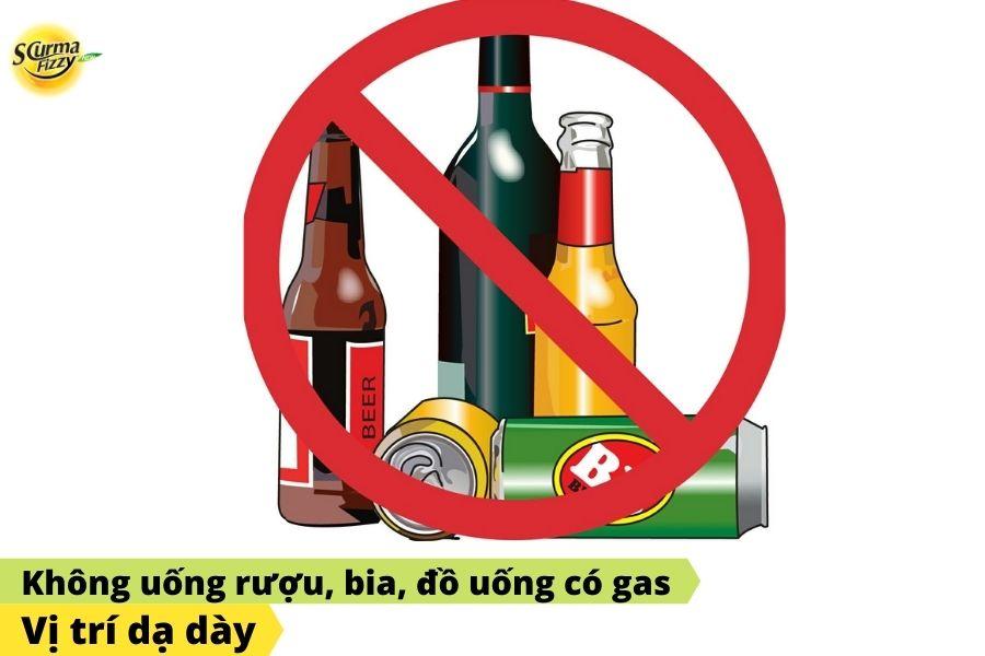 Người bị đau dạ dày nên tránh uống rượu, bia, đồ uống có gas
