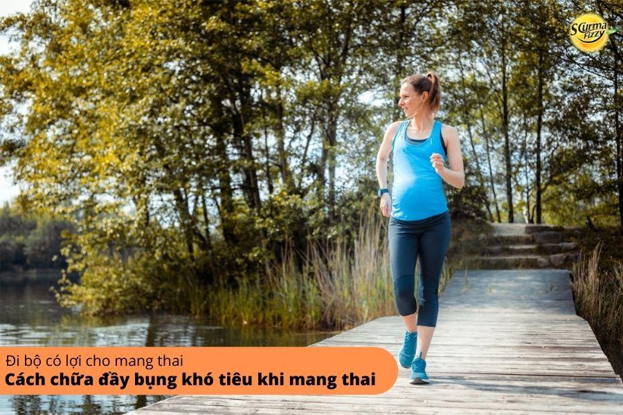 Đi bộ cũng là một cách chữa đầy bụng khó tiêu khi mang thai
